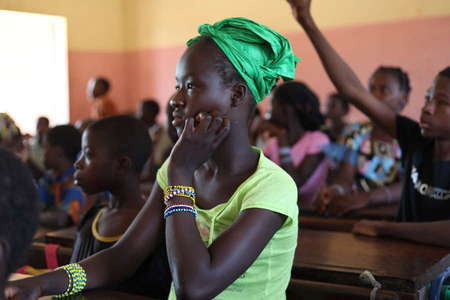 A school receives benefits from the social premium from Fairtrade cotton in Yanfolila in Mali (2012).